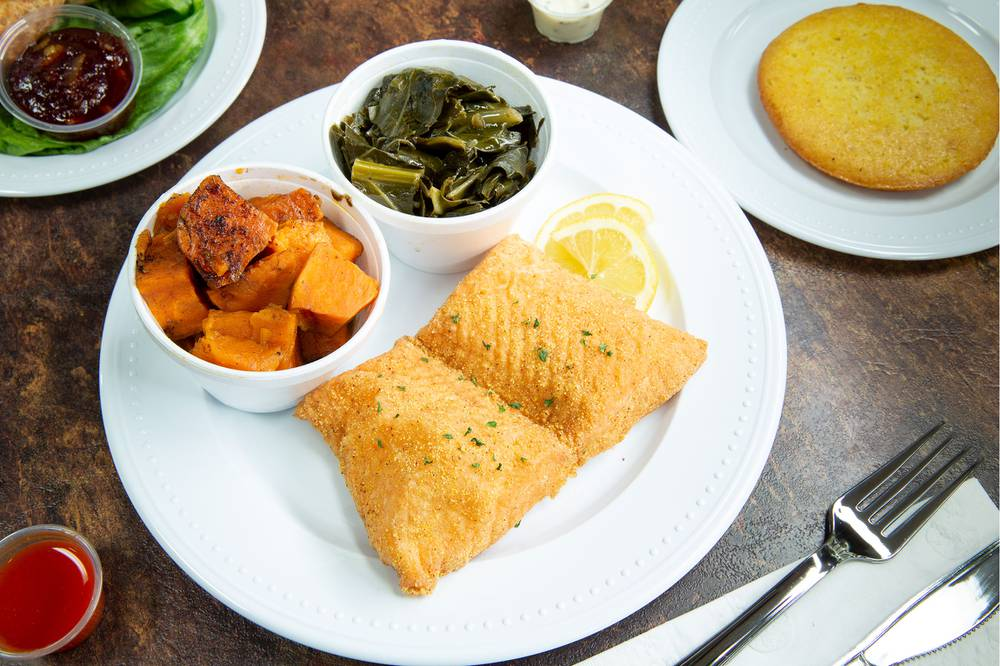Fried salmon with yams, greens and cornbread - Photo: Christopher DeVargas